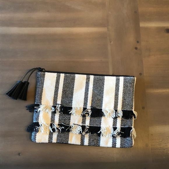 Old Navy Handbags - Old Navy Plaid Ruffled Clutch NWOT